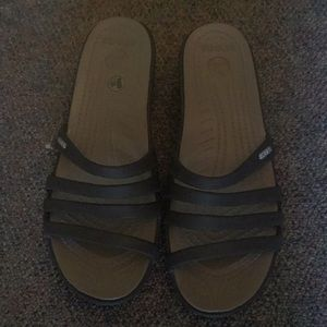 New Womans crocs Patricia 11 brown wedge